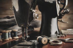 Qui a inventé la machine à coudre ?